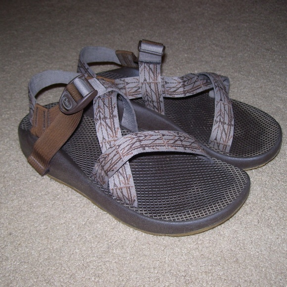 bae68988ccd5 Chaco Other - CHACO Z 1 Vibram Yampa SANDALS  Brown Print Straps